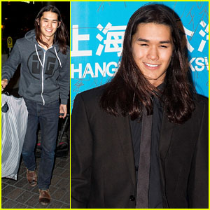 Booboo Stewart Honored at Huading Awards 2013
