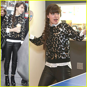 Hailee Steinfeld: Starbucks After Sirius XM Stop