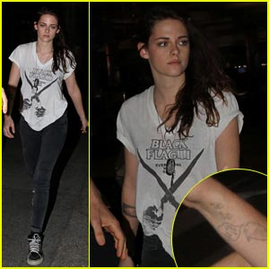 Kristen Stewart: Tattooed Arm at LAX Airport