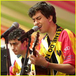 Nat & Alex Wolff: DC Best Buddies Challenge!