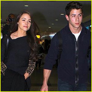 Nick Jonas & Olivia Culpo: Fan-Friendly at LaGuardia Airport