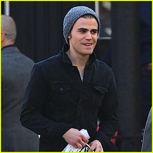 Paul Wesley Takes a Stroll in NYC