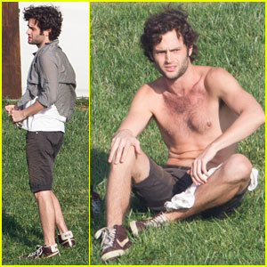 Penn Badgley: Shirtless in Echo Park!