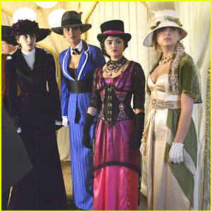 'Pretty Little Liars' Halloween Special Sneak Peek - Watch Now!