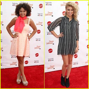Rachel Crow & Tori Kelly: Dream Halloween Performers