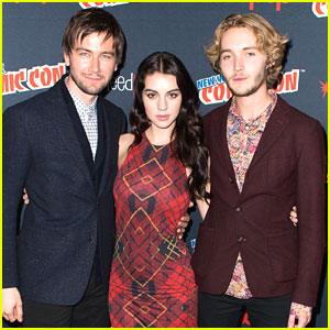 Adelaide Kane 'Reign's at New York Comic Con