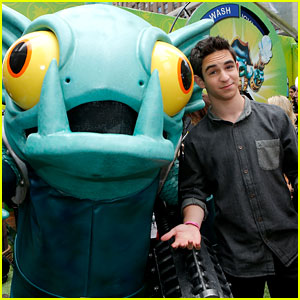 Zachary Gordon: 'SWAPtoberfest' in Time Square