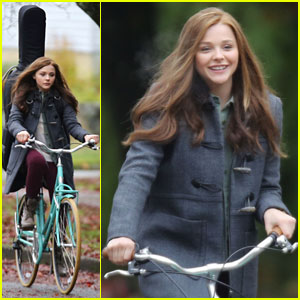Chloe Moretz: Bike-Riding Beauty for 'If I Stay'