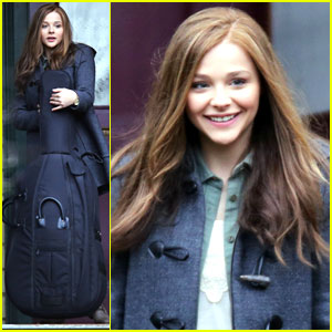 Chloe Moretz Carries Cello Case on 'If I Stay' Set