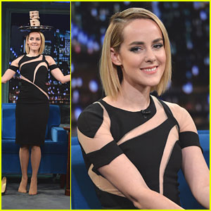 Jena Malone Balances Jenga on Her Head for 'Late Night with Jimmy Fallon'