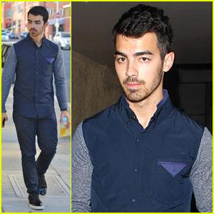 Joe Jonas: Juan Juan Salon Visit