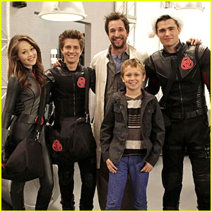 Lab Rats Holiday Episode - See The Pics & Watch A Clip!
