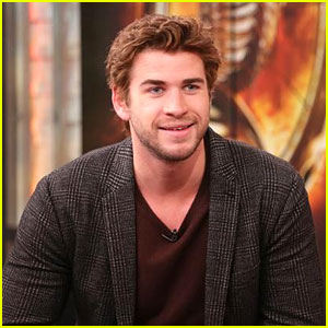 Liam Hemsworth: NYC 'Catching Fire' Promo After Knoxville Screening
