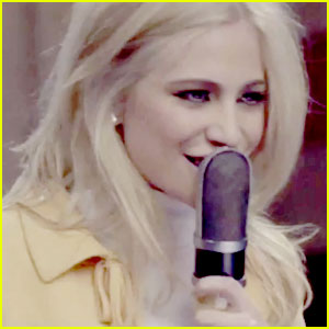 Pixie Lott Covers Lorde's 'Royals'