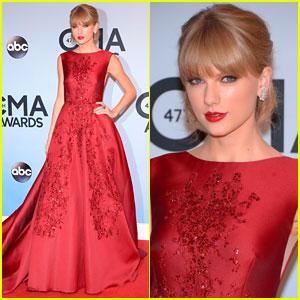 Taylor Swift: CMA Awards 2013 Red Carpet
