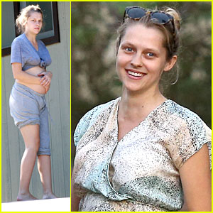 Teresa Palmer: Moving Day!