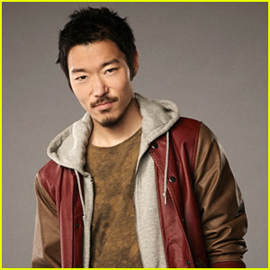 'Tomorrow People' Interview: Aaron Yoo on Russell's Secret & Finding Closure From His Past
