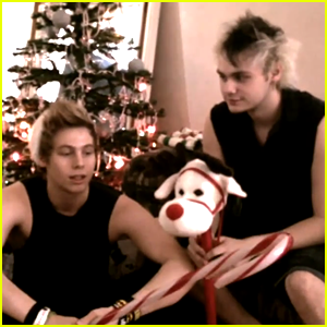 5 Seconds of Summer Wish Fans Happy Holidays - Watch Now!