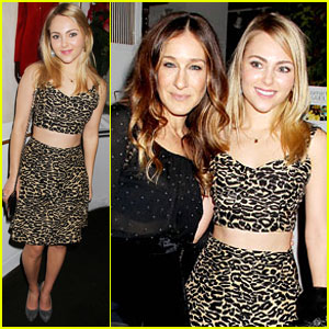 AnnaSophia Robb: 'Cosmo' Event with Sarah Jessica Parker!