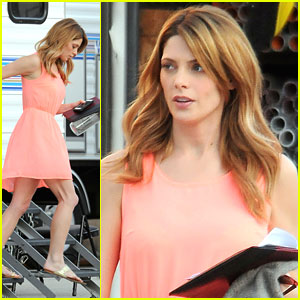 Ashley Greene: Peachy Keen on 'Burying The Ex' Set