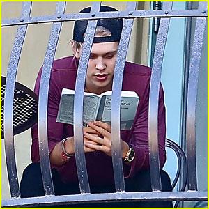 Austin Butler: Busy Balcony Reader!