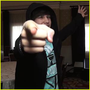 Austin Mahone Sings 'Jingle Bells' for Fans - Watch Now!