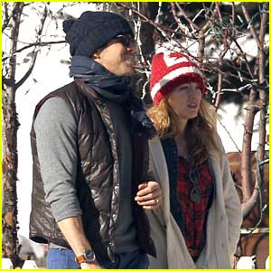 Blake Lively: Canadian Beanie on Walk with Ryan Reynolds