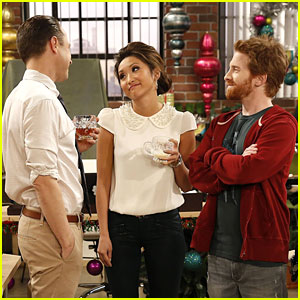 Brenda Song: Holiday-Themed 'Dads' Tonight!