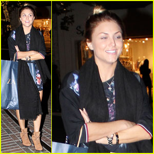 Cassie Scerbo: Nighttime Holiday Shopper