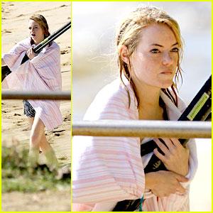 Emma Stone: Paddleboarding in Hawaii!