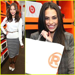 Jamie Chung & Chloe Bridges: RadioShack Shoppers
