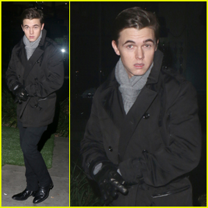 Jesse McCartney: Post-Christmas Boa Dinner