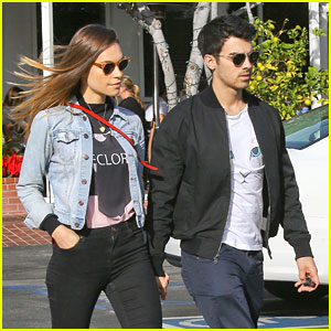 Joe Jonas & Blanda Eggenschwiler: Fred Segal Sunday Lunch