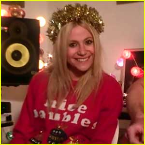 Pixie Lott: 'White Christmas' Video - Watch Now!
