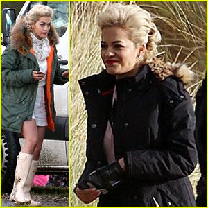 Rita Ora: Pre-Christmas Photo Shoot!