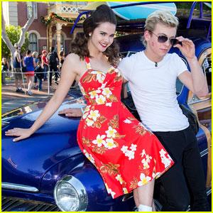 Ross Lynch & Maia Mitchell: 'Teen Beach Movie' Performance at Disney Christmas Parade!