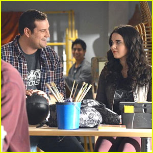 Vanessa Marano & Katie Leclerc: 'Switched at Birth' Winter Premiere Pics!