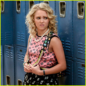 'The Carrie Diaries' Exclusive Clip: Carrie & Weaver Get Real About Their Relationship