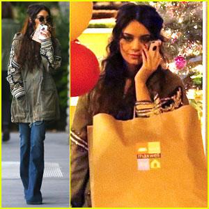 Vanessa Hudgens: Last-Minute Christmas Shopper!
