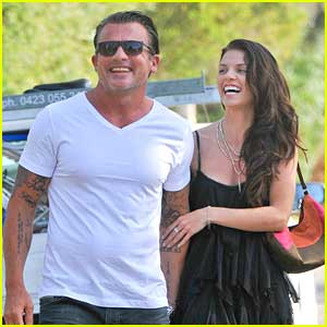 AnnaLynne McCord & Dominic Purcell: New Year's Walk in Sydney