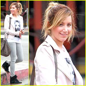 Ashley Tisdale: Early Breakfast at Toast