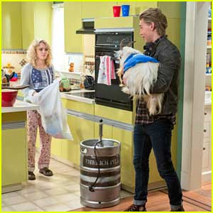 AnnaSophia Robb: All-New 'Carrie Diaries' Tonight!