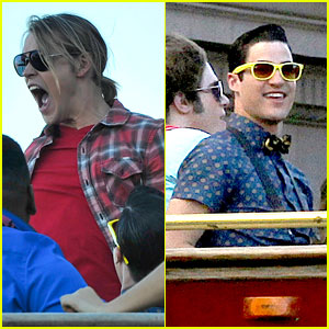 Chord Overstreet & Darren Criss: 'Glee' Films on Double Decker Bus!