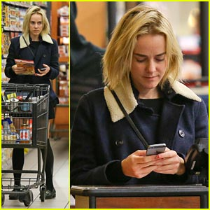 Jena Malone: Gelsons Grocery Run