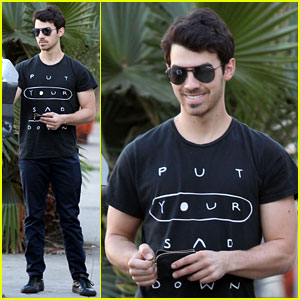 Joe Jonas: I Can Survive a Zombie Outbreak!