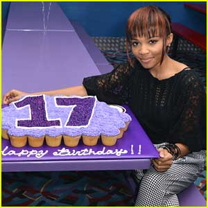 Lauryn McClain: 17th Birthday Party Pics!