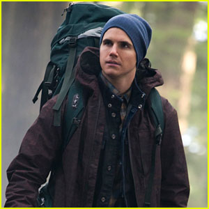 Robbie Amell: Camping on 'Tomorrow People'!