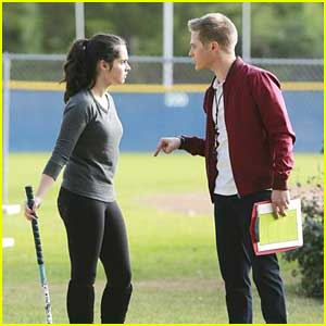 Lucas Grabeel & Vanessa Marano: Field Hockey Fights on 'Switched at Birth'