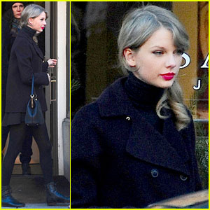 Taylor Swift: NYC Outing with Brother Austin!