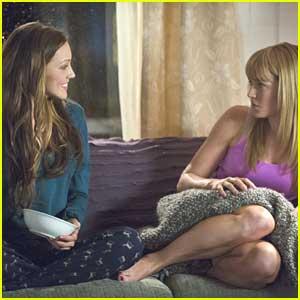 Katie Cassidy & Caity Lotz: Sisters Reunite on 'Arrow'!